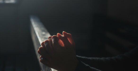 Omnis Terra – Modlitwa o uwolnienie od nieszczęść